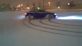 getlinkyoutube.com-Audi S4 & BMW M3 Snow Drifting