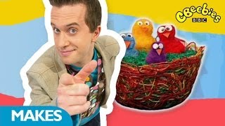 getlinkyoutube.com-CBeebies: Mister Maker - Funky Birds Nest