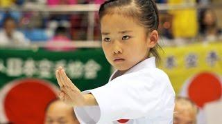 getlinkyoutube.com-圧巻!空手少女、高野万優ちゃんの型 Mahiro Takano, Amazing Karate Girl