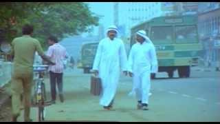 getlinkyoutube.com-Nadodikattu - Mohanlal & Sreenivasan Comedy Scene