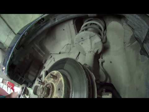 Где находится в Mitsubishi Аиртрек пыльник рулевой рейки