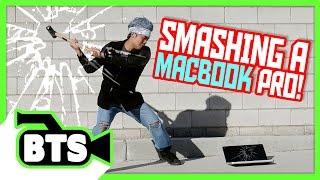getlinkyoutube.com-Sledgehammering a Macbook Pro! (BTS)