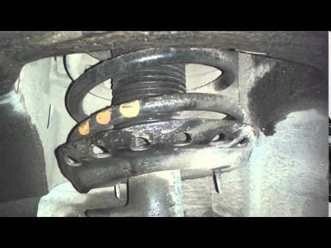 Подклинивает (закусывает) опорный подшипник переднего амортизатора (Ford Mondeo 4)