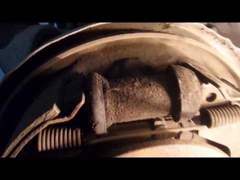 Замена задней ступицы (вместе с рычагом) Nissan Expert 4WD