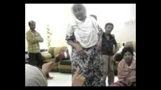 getlinkyoutube.com-balochi tafri dance by old women