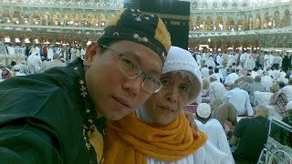 Koko Liem merawat ibunda Ummi Salma, saat di rawat di RS. UIN Ciputat slama 3 hri tgl 23-25 Mrt 2014