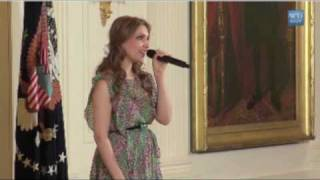 اجرای ترانه دختر افغان در کاخ سفید