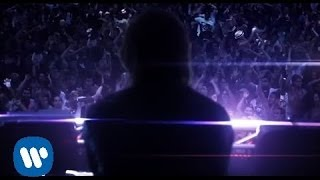 getlinkyoutube.com-David Guetta - Little Bad Girl ft. Taio Cruz, Ludacris (Official Video)