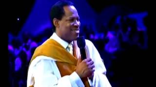Pastor Chris Oyakhilome touched by the word of pastor Cholwe Mudenda