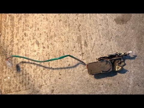 Замена электро моторчика открывания задней двери на Mazda Demio