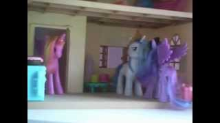 getlinkyoutube.com-Pelea De Ponies Cadence & Luna