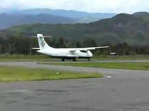 atr 72 landing at wamena, papua