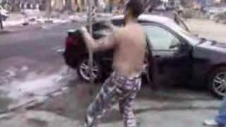 getlinkyoutube.com-Curcic zimi go pijan regulise saobracaj (LudiDokumenti.com)