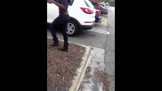 getlinkyoutube.com-BoyFriend Catches GirlFriend Cheating Outside The Mall