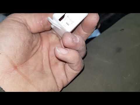 Лексус NX ремонт заклинившего ремня безопасности после дтп
