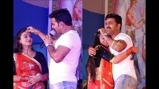 बबुआन के जान हऊ हो - Pawan Singh, Akshara Singh Superhit Stage Show 2018 Sandesh