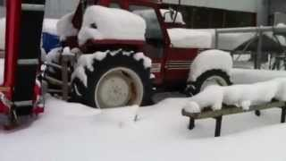 getlinkyoutube.com-Cold start Fiat 780 dt -84 tractor