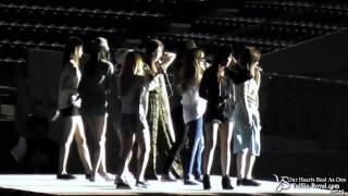 getlinkyoutube.com-[YSRY Fancam] SNSD Rehearsal Gee&Kissing You 121122 Singapore