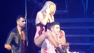 getlinkyoutube.com-Britney Spears Lace And Leather Joe Jonas Femme Fatale Tour Halloween 31/10/11