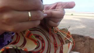 getlinkyoutube.com-Así se hace una Mochila Wayuu