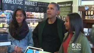 getlinkyoutube.com-President Obama Goes Shopping With Malia & Sasha on Small Business Saturday!