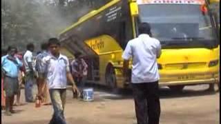 getlinkyoutube.com-Volvo Bus Burn in Pathanapurram