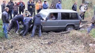 getlinkyoutube.com-Уаз vs Suzuki Jimny vs Isuzu Trooper [Off Road 4x4]