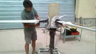 getlinkyoutube.com-GENERADOR EOLICO TRIPALA DE PASO VARIABLE CONTROLADO POR MOTOR  -variable pitch wind turbine VIDEO 4