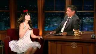 getlinkyoutube.com-Craig Ferguson 10/31/11C Late Late Show Zooey Deschanel