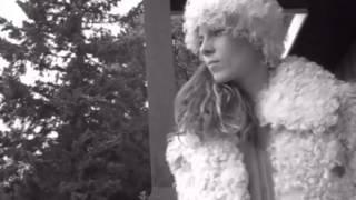 getlinkyoutube.com-One Armed Girl