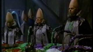 getlinkyoutube.com-Coneheads - Dining Hall Scene