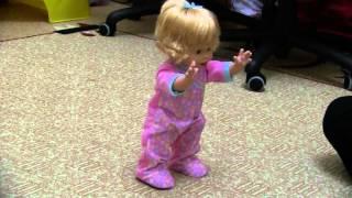 getlinkyoutube.com-Little Mommy Walk & Giggle 23.03.12