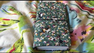 getlinkyoutube.com-Foxtail Threads Standard Size Quilted Fabric Traveler's Notebook Set Up Video