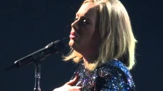 getlinkyoutube.com-Adele - Skyfall - Live at Manchester Arena 11/03/2016