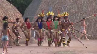 getlinkyoutube.com-Indígenas do Brasil  TAQUARA KUIKURO fazendo festa tradicional.