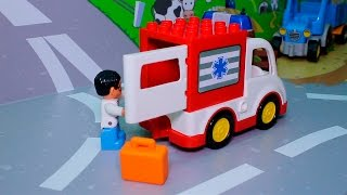Машинки в ЛЕГО мультике - Скорая помощь помогает лошадке. Животные для детей. Лего  мультики.