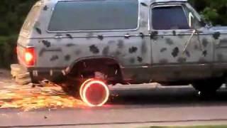 getlinkyoutube.com-اقوى حرق كفرات سيارة في العالم !!