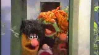 getlinkyoutube.com-Sesame Street - Telephone Rock (full version)