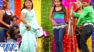 getlinkyoutube.com-Jobanwa Chowela -जोबनवा छुवेला - Paro Rani - Bhojpuri Dhamaka Nach Program  HD