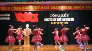getlinkyoutube.com-Múa: Em là bông hồng nhỏ ( Thanh Hương & tốp múa K32-CDSPMN)