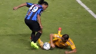 getlinkyoutube.com-Ronaldinho 2015 ● The Magician - Skills,Goals, Assists |HD
