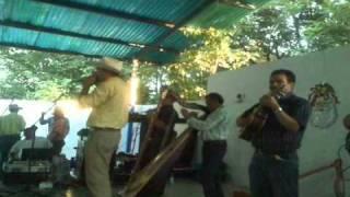 Juan Herrera Popurrit Criollo 2010 parte 1de 2