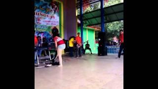 getlinkyoutube.com-Goyang dlosor Pilih Dia Fherha Phermathaa