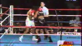 getlinkyoutube.com-Laila Ali vs  Jacqui Frazier Lyde