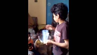 getlinkyoutube.com-يوسف يقلد شادي سرور في فيديو لما عمك يزورك
