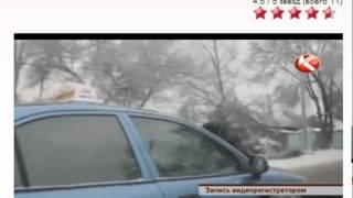 getlinkyoutube.com-Лихач протащил гаишника несколько километров на капоте