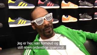 getlinkyoutube.com-Snoop Dogg  angry at reporter in Norway.