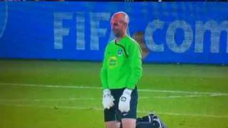 getlinkyoutube.com-Goalkeeper world cup pee .mp4