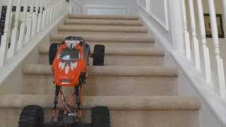 Mad Torque Crawler Mod: 1/8 to ~ 1/5 scale conversion. Now climbing easily on stairs!