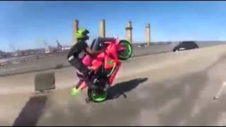 getlinkyoutube.com-Caballito en moto de pista extremo